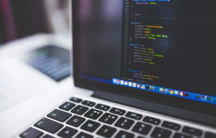 Para no aburrirse: Harán cursos de programación gratuitos para aprender en casa