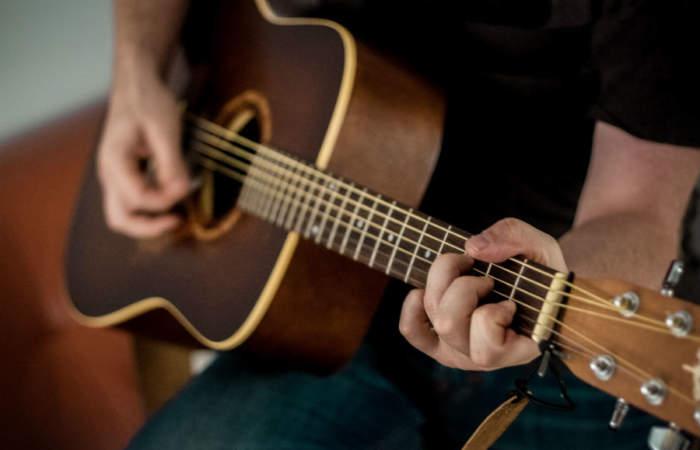 Desde clases de guitarra hasta cocina, todo eso y más podrás aprender gratis en cuarentena
