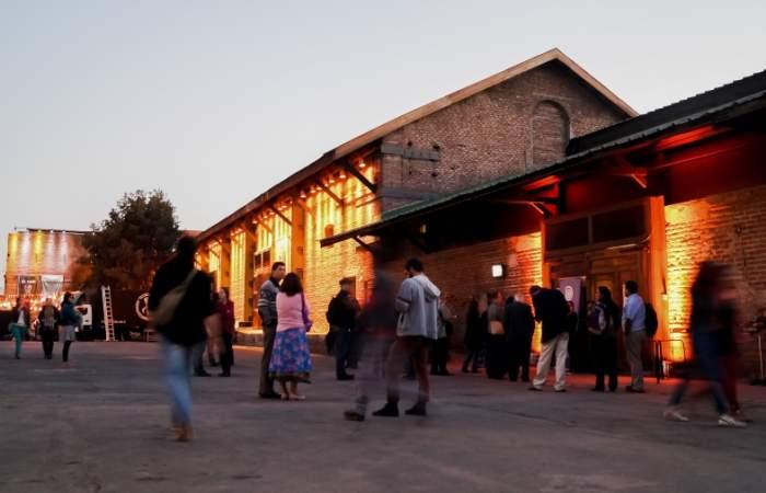 Festival In-Edit lleva funciones de cine al aire libre a la explanada de Matucana 100