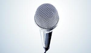 Cómo organizar un karaoke puertas adentro
