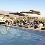 Un alto en bares con piscinas