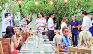 Una cena secreta en el patio del ex restaurante Rai