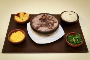 "Muqueca: ""embajada culinaria"" de Brasil ahora está en Manuel Montt"