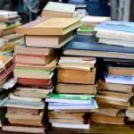 Miles de libros usados para vitrinear en el centro