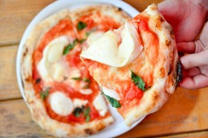 En Domani puedes comer pizza como se prepara en Nápoles