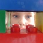 Construir figuras LEGO con el papá