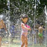 Tres juegos de agua para olvidarse del calor en Santiago