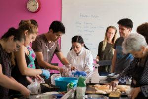 Cinco talleres para mayores de 18