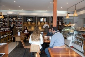 La Vinoteca de Manuel Montt: vinos y una completa cafetería