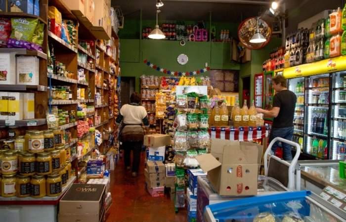 A falta de supermercados, cuatro almacenes que estarán abiertos este 1 de mayo