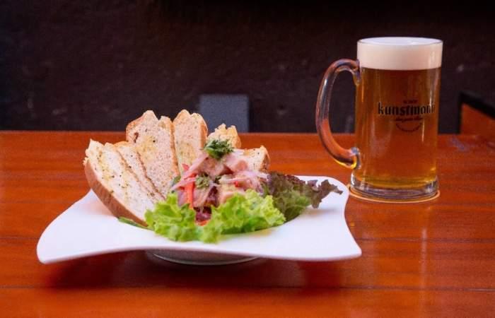 Kunstmann Kneipe, el bar cervecero que llegó a refrescar Plaza Ñuñoa