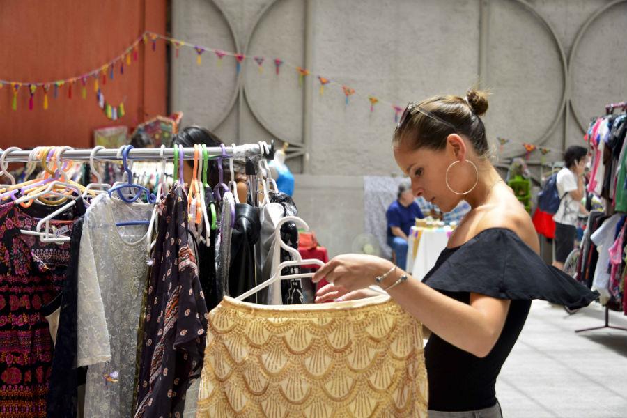 Feria Traperas: Apuesta por la ropa usada para esta Navidad