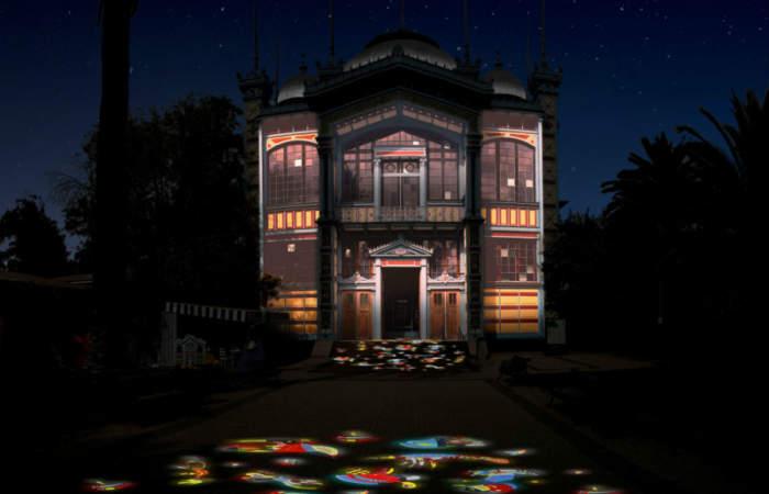 """La entretenida y colorida plaza que """"prende"""" al Museo Artequín"""
