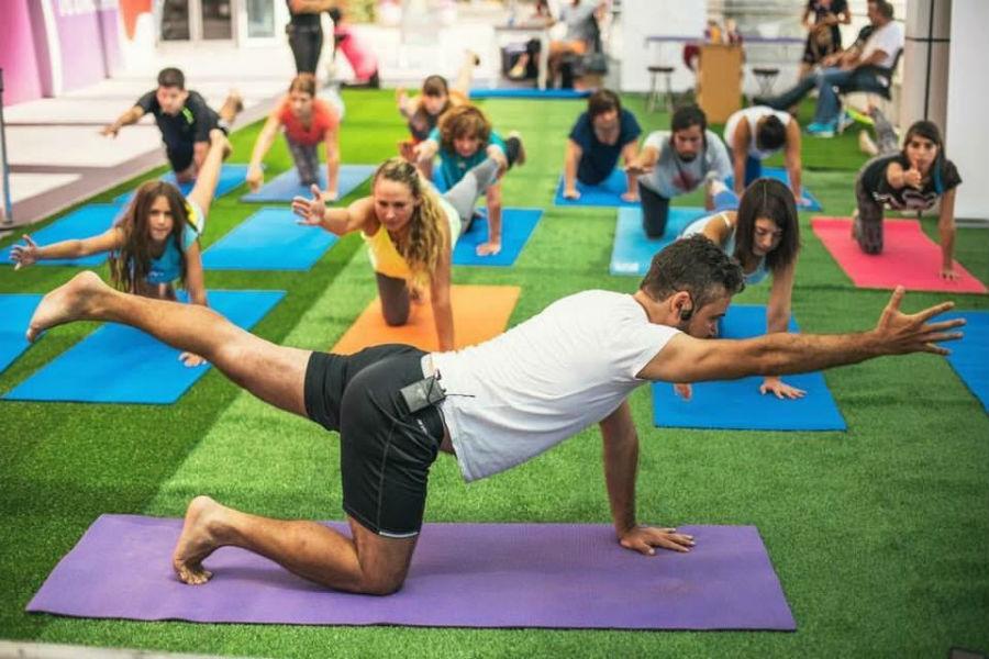 Gratis: clases de yoga y vitrineo saludable en una feria navideña en barrio Italia