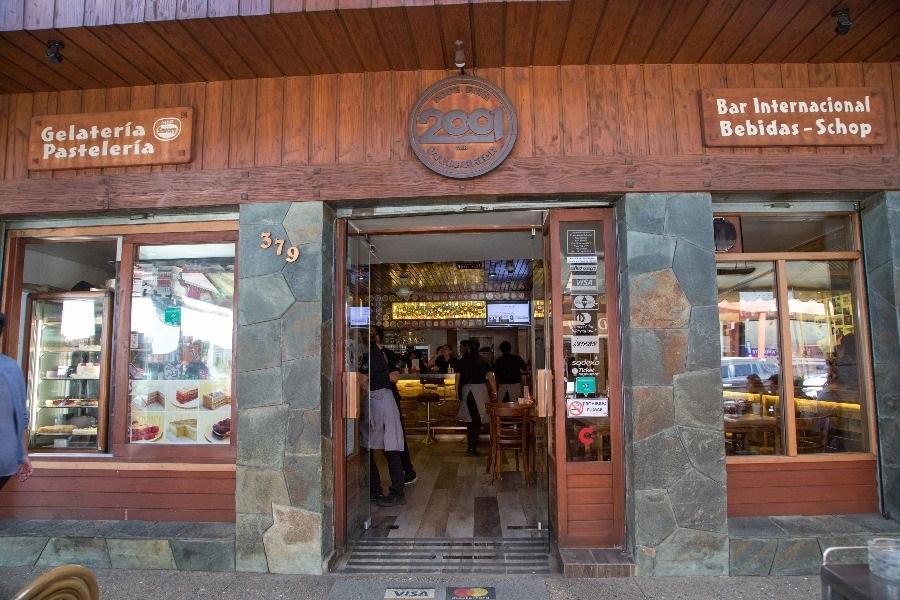 Café Bar 2001