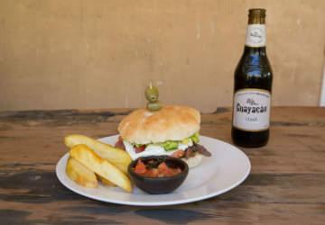 Casa de Barro, el nuevo bar y restaurante en lo alto del Valle del Elqui