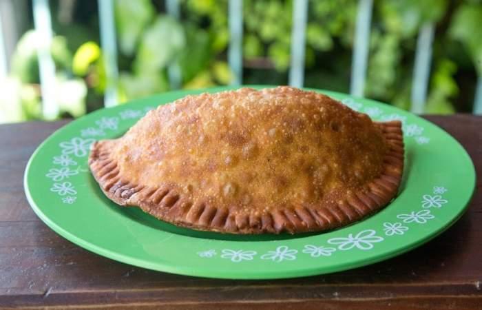 Puras Pavadas: Las empanadas más famosas y contundentes de Pucón