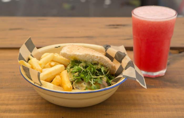 Longburgers: El nuevo food truck con hamburguesas de wagyú en Av. Bilbao