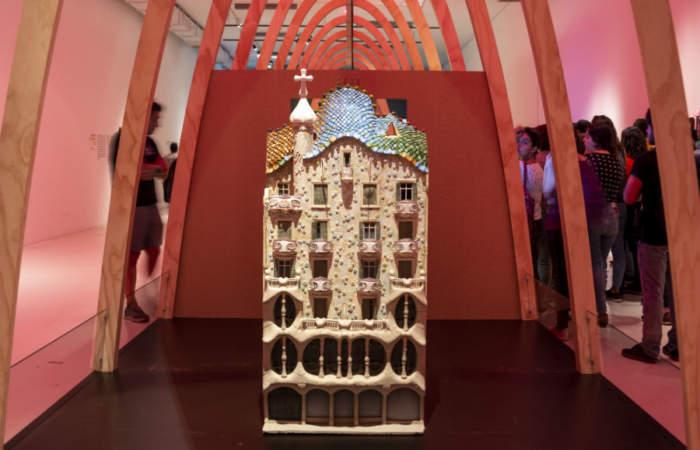 Gratis: La muestra con más de 150 obras originales del arquitecto catalán Antoni Gaudí