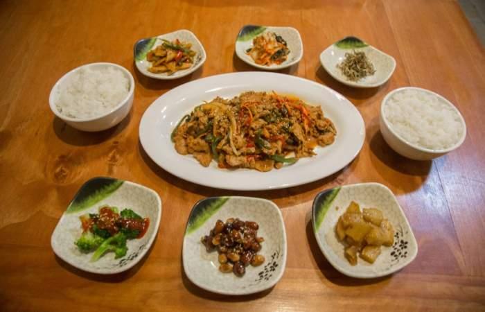 Banchan Nara: El nuevo restaurante coreano con platos veggies de Recoleta