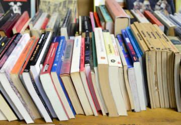 No pares de leer: Una guía navideña para regalar libros del año