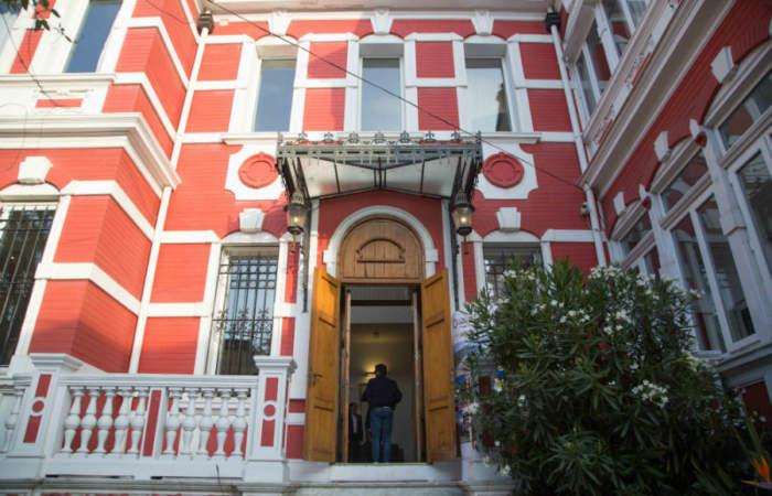 Alojar en un palacio con vista a toda la bahía de Valparaíso