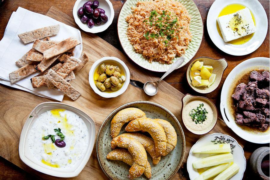 Una clase de cocina mediterrána con La Chipriota en el barrio Yungay