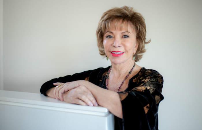 Jorge Baradit e Isabel Allende serán algunos de los participantes del Festival Día del Libro en Casa