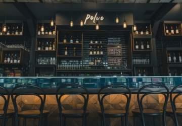 Restaurantes y bares en Santiago empiezan a cerrar sus puertas para cuidar a clientes y trabajadores
