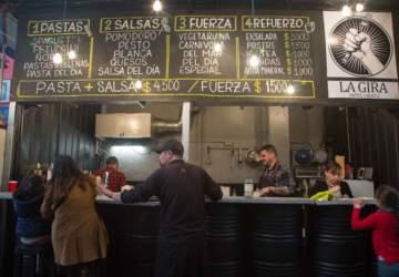 Puro sabor en el Persa Biobío: las picadas más ricas que esconden los galpones