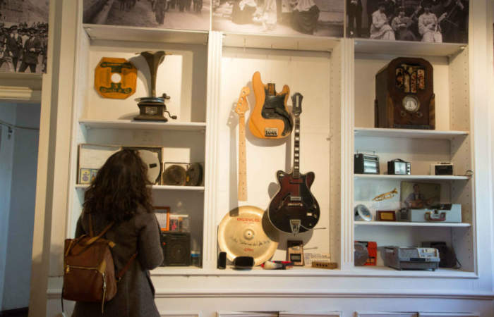 El nuevo Museo de la Música Chilena tiene fotos de Aguaturbia y Jorge González