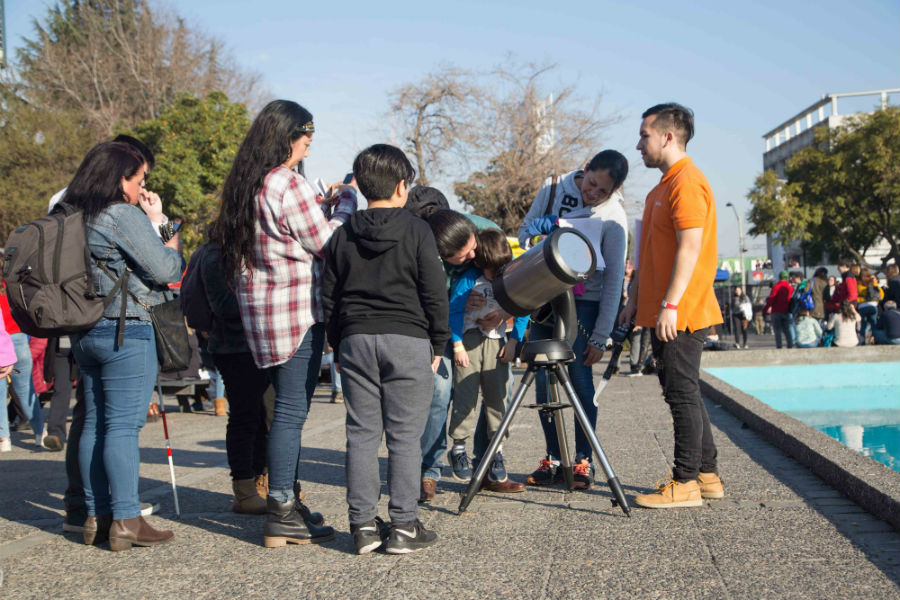 El Planetario celebrará con talleres el 50 aniversario de la llegada a la Luna