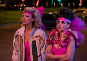 Betty Gilpin Debbie Eagan Alison Brie Ruth Wilder tercera temporada GLOW Netflix