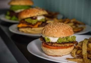 """La Inclusiva, una hamburguesería """"sin restricciones"""" en el corazón de Ñuñoa"""