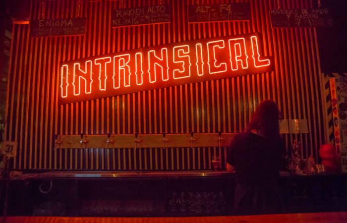 Intrinsical, la nueva cervecería artesanal que refresca el barrio Brasil
