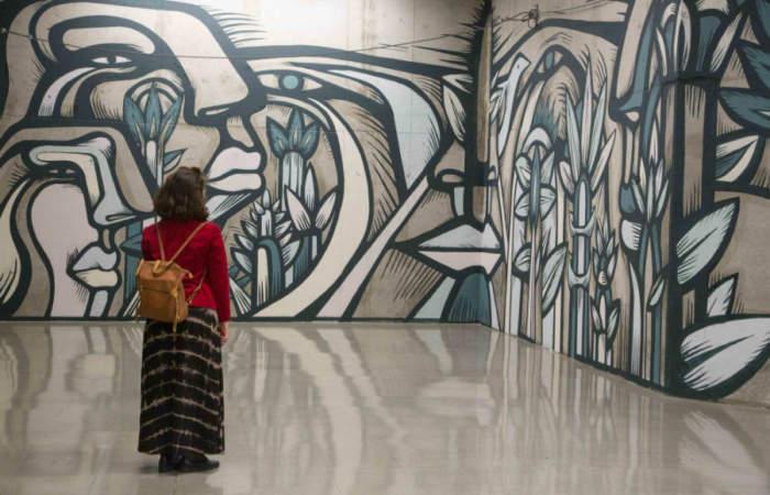 """El enorme mural de Alejandro """"Mono"""" González que se luce en la estación Franklin"""