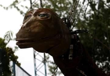 Santiago a Mil 2020: Así es La Pichintún, una dinosauria bebé que recorrerá la Quinta Normal
