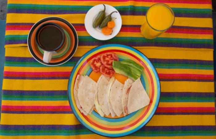 Picantes y contundentes, los desayunos mexicanos imperdibles de Santiago Centro