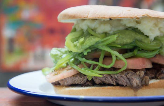 La Chingana del Barrio, el ondero bar de Viña con carnes a la parrilla y música en vivo