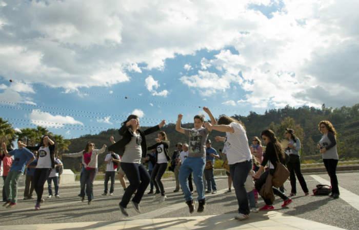 100 en 1 día intervendrá el Paseo Bulnes y el Parque Almagro con clases de meditación y k-pop