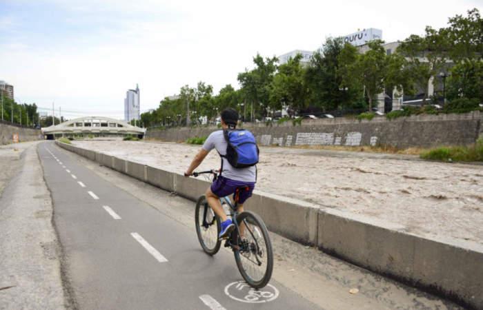 Mapocho pedealable y caminable: el circuito para pasear por la orilla del río