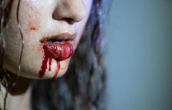 Vampiros, la sangrienta serie francesa sobre una adolescente que descubre sus cruentos poderes
