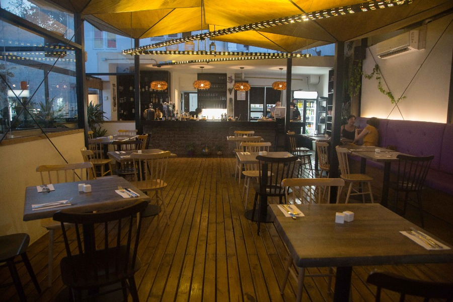 Violeta Restaurant