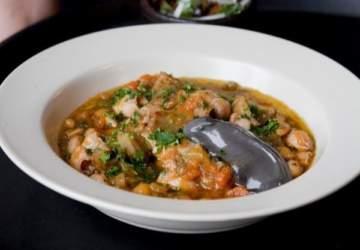 Temporada de guisos con cuchara: receta de garbanzos con choritos