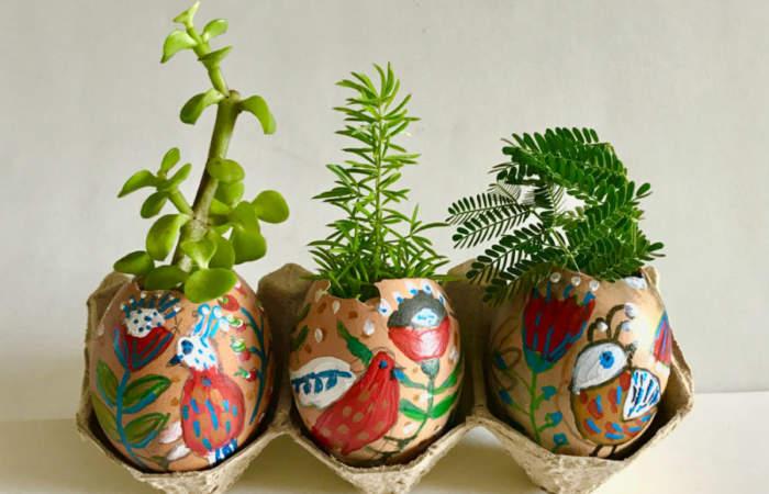 Desde pintar huevos hasta decorar la casa para el conejito de Pascua, los talleres en línea del Artequin