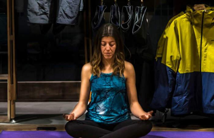 Las gratuitas clases de yoga que hace la marca Patagonia en sus Redes Sociales