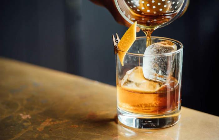 3BU Chile, la empresa que hace catas de vino, gin, whisky o espumante por streaming con destacados bartenders