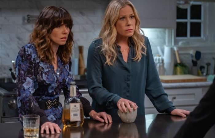 Muertos Para Mí, regresa la serie que protagoniza una irónica y desesperada Christina Applegate