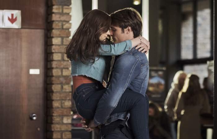 El stand de los besos: un repaso a la saga romántica de Netflix que enamoró a medio mundo