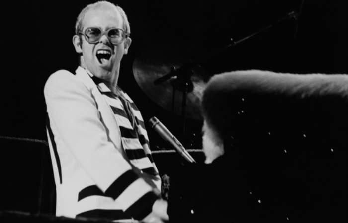 Elton John liberará seis de sus conciertos más increíbles en YouTube